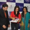 Raveena Tandon launches Waman Hari Pethe Jewellers new collection � 'Colors'