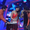 Kareena designs a cake on Nach Baliye 6