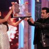 Salman hands over Gauhar the Bigg Boss Saat 7 throphy