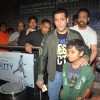 Salman Khan watches SHOLAY 3D with the JAI HO team