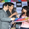 Sidharth Malhotra and Parineeti Chopra sign the autograph book at the Promotions of Hasee Toh Phasee