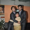 Ranveer Singh and Arjun Kapoor give Bharti Singh a hug on Comedy Circus