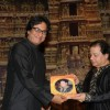 Talat Aziz with Anup Jalota at the event
