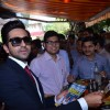 Ayushmann distributes pamphlets among the public
