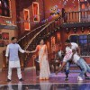 Terence and Remo teach Kapil a few romantic dance moves