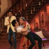 Dadi and Tusshar Kapoor perform on Comedy Nights with Kapil