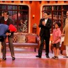 Navjot Singh Sidhu greets Big B and Boman Irani on Comedy Nights With Kapil