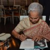 Waheeda Rehman signs her Book at the Launch