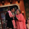 Dadi flirts with Jackie Shroff on Comedy Nights with Kapil