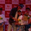 Shahrukh Khan  shares token of love with the children