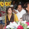 Vidya Balan buying flowers at Mahim Darga