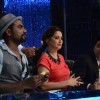 Madhuri Dixit gets her hair fixed on Jhalak Dikhala Jaa