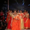 Dia Mirza looks stunning as she walks the ramp at IIJW 2014 - Day 1