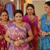 Manjula, Parul, Alpa and Rajeshwari looking tensed
