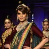 Bipasha Basu dazzels the ramp in a PC Jewellwers creation at the IIJW 2014 - Grand Finale
