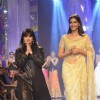 Sonam Kapoor walks the ramp with Neeta Lulla at the IIJW 2014 - Grand Finale