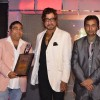 Shakti Kapoor receiving the award at the India Leadership Conclave