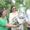 Kavita Kaushik being felicitated at th Tree Plantation Drive