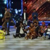 Contestants perform on Jhalak Dikhla Jaa for Rani