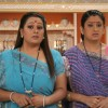 Parul and Alpa looking confused