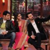Fawad Khan clicks a Selfie with Sonam Kapoor and Kapil