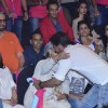 Shah Rukh Khan hugs Jaya Bachchan at Pro Kabbadi League