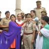 Rani Mukherjee awards a medal to a Women Inspector at the Promotions of Mardaani in Jhansi