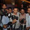 Aamir Khan poses with photographers at Young Inspirators Seminar