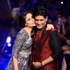 Kareena Kapoor with Manish Malhotra at the Grand Finale of Lakme Fashion Week Winter/ Festive 2014