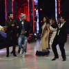 Parineeti and Aditya shake a leg with the Judges on Jhalak Dikhhlaa Jaa