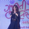 Aashka Goradia greets the audience at Gujrati Jalso 2014 in Schon by Sakshee Pradhan