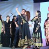 Aashka Goradia clicks a selfie with Hrithik Roshan at Gujrati Jalso 2014 in Schon by Sakshee Pradhan