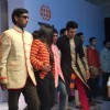 Manish Paul Walks the Ramp For Kirti Rathore
