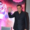 Boman Irani waves out to his Fans at the Promotions of Happy New Year in Delhi
