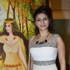 Tanishaa Mukerji poses for the media at a Special Art Show Preview
