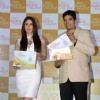 Kareena Kapoor poses with Mr. Subash Balar, Divisional Manager at the Launch