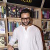 Saif Ali Khan poses at Crossword during the Promotions of Happy Ending