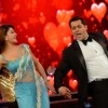 Jacqueline Fernandes shakes a leg with Salman Khan on Bigg Boss 8