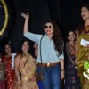 Rani Mukherjee waves to the audience at Mumbai University