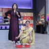Farah Khan was snapped bargaining with a woman who sells fish at the Launch of Farah Ki Daawat