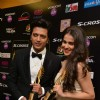 Riteish - Genelia holds IIFA Trophy - Backsatge of IIFA Awards