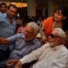 Om Puri takes a selfie with Kader Khan at the Press Meet of Hogaya Dimaagh ka Dahi