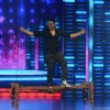 Akshay Kumar's Big Entry for Promotions of Singh is Bling on Dance Plus