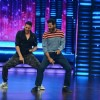 Akhsay Kumar Shakes a Leg with Prabhu Deva During Promotions of Singh is Bling on Dance Plus