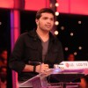 Himesh Reshmmiya playing on 10 Ka Dum