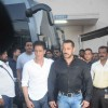Salman - Shah Rukh Shoots for BB9