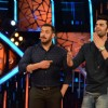 Manish Paul Promotes 'Tere Bin Laden : Dead or Alive' on the sets of Bigg Boss 9 with host Salman