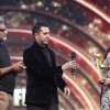 Kabir Khan receives Best Actor award on behalf of Salman Khan