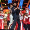 Shah Rukh Khan Performs at TOIFA Awards
