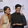 All Smiles! Kareena Kapoor and Manish Malhotra at Lakme Fashion Show 2016